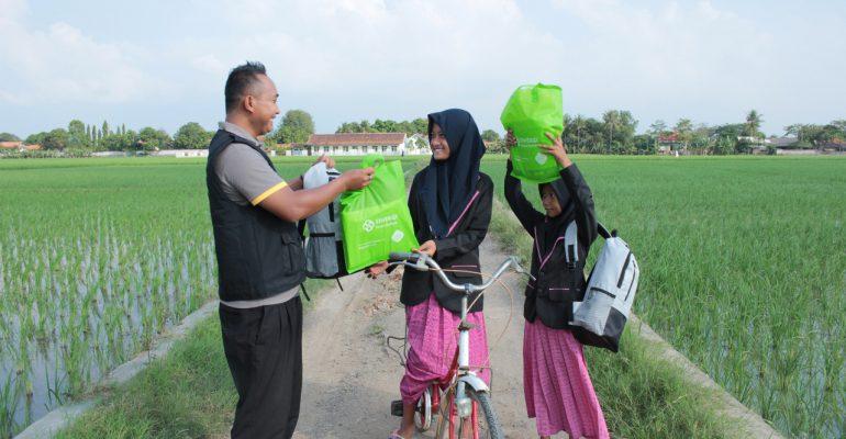 sedekah, #DesaRamadhan, giving is cool, dhuafa, desa