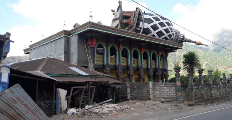 save lombok, let's help lombok, pray for lombok, lombok, gempa bumi, bencana alam, relawan