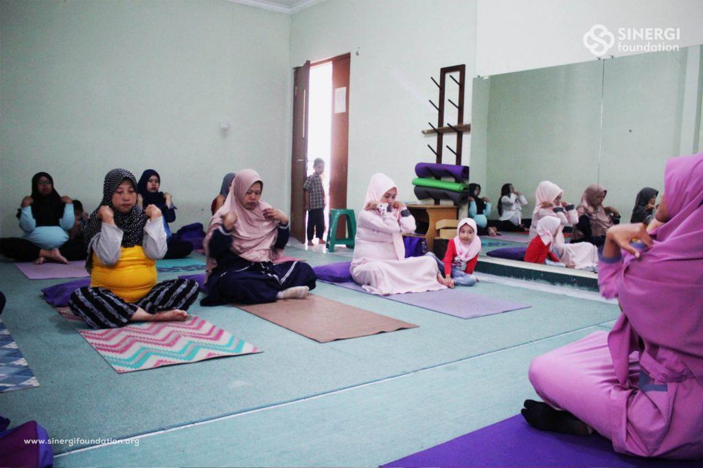 yoga hamil, rbc, rumah bersalin cuma-cuma, zakat, yoga, senam hamil