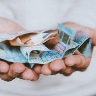 uang, sedekah, wakaf, sedekah, zakat, mewakafkan yang paling dicintai