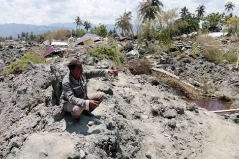 Kengerian muncul pasca gempa berkekuatan 7,4 skala richter. Salah satu pemukiman di Palu itu bagai ditelan.