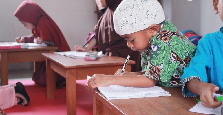 kuttab al fatih, adab, ilmu