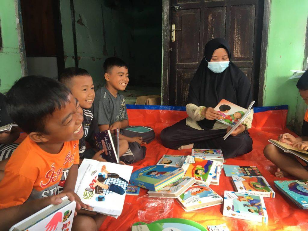 kegiatan baca, trauma healing, sinergy for humanity, s4h, mamuju, gempa bumi